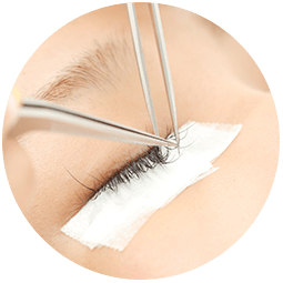 Safe Removal of Eyelash Extensions